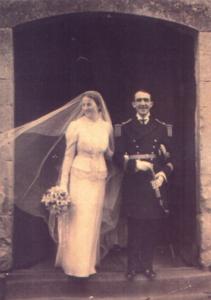 Mariage le 27 décembre 1937 à Saint-Laurent-des-Mortiers, Mayenne.